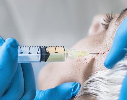 PRP-Therapie (Vampirlifting / Plasmalifting / Draculalifting) bei Dr. Grundentaler in Berlin-Lichtenberg