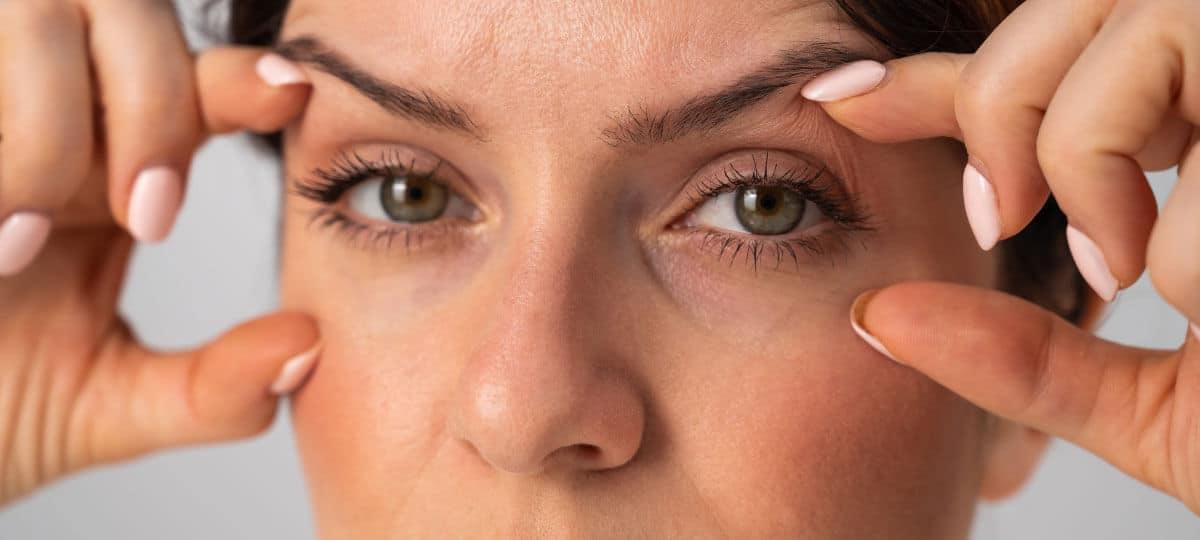 Augenlidstraffung von Schlupflidern in der Facharztpraxis von Dr. Grundentaler in Berlin